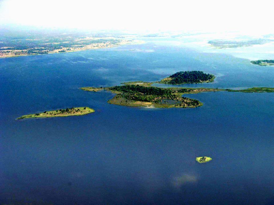 หมู่เกาะน้อยใหญ่ของทะเลสาบหนองหาน