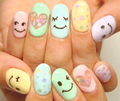 Smile-Face-Nails